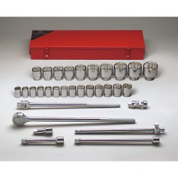 "Wright Tool - 631 - Wright Tool 3/4"" X 7/8"" - 2 3/8"" 31 Piece 12 Point Standard Socket Set (Includes 24-Teeth Quick Release Ratchet And 4"", 8"" And 16"" Extension)"