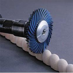 Scotch-Brite - 30120 - 2 Radial Bristle Disc, Curved Bristles, Arbor, 120 Grit, Package Quantity 80