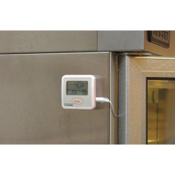 Thomas Scientific - 4120 - Digital Thermometer, Sentry F