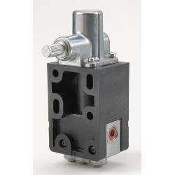 Ingersoll-Rand - 402-1-A - Clockwise and Counterclockwise/Spring Manual/Mechanical Air Valve