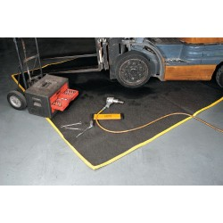 Enpac - 4720-BK - Absorbent Maintenance Blanket, Universal