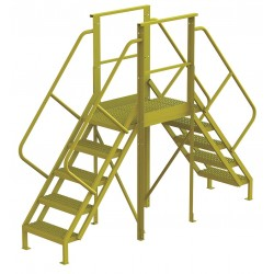 Tri Arc - 7CY82 - Crossover Bridge, Steel, 50 Platform Height, 30 Span, Number of Steps 5