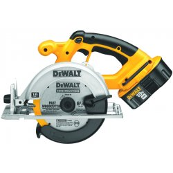 Dewalt - DC390K - DeWALT DC390K Heavy-Duty 6-1/2'' 18V Cordless Circular Saw Kit