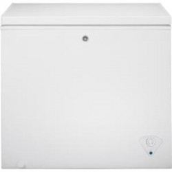 GE (General Electric) - FCM7SKWW - 7.0 CF Chest Freezer White