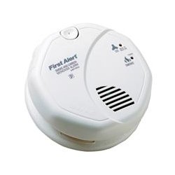 BRK Electronics - SC7010BV - 5 Smoke and Carbon Monoxide Alarm with 85dB @ 10 ft., Horn Audible Alert; 120VAC, (2) AA