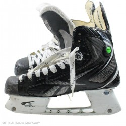 Steiner Sports - 1314NYRSKU00121 - Derek Stepan Skates - New York Rangers Game Used nbr21 Skate Pair No Blades