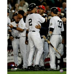 Steiner Sports - JETEPHU016270 - Derek Jeter Being Congratulated by Mariano Rivera after passing Lou Gehrigs Record for Most Hits By A Yankee 16x20 Photo uns