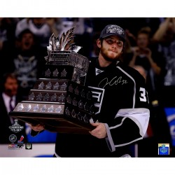 Steiner Sports - QUICPHS016009 - Jonathan Quick Signed Conn Smythe Trophy Horizontal 16x20 Photo (Jonathan Quick Holo)