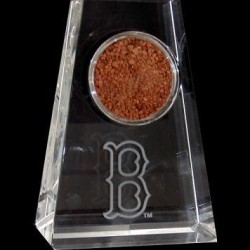 Steiner Sports - 20081045100101 - Tapered Crystal with Boston B Logo and Game Used Dirt from Fenway Park