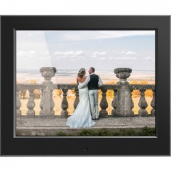 Aluratek - ASDPF08F - Aluratek 8 Slim Digital Photo Frame with Auto Slideshow Feature - 8 LCD Digital Frame - Black - 1024 x 768 - Cable - 4:3 - JPEG - Slideshow, Clock, Calendar - USB - Desktop
