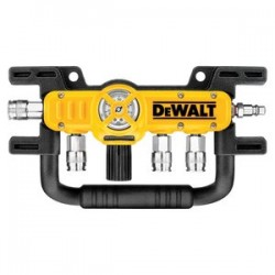 Dewalt - D55040 - DeWALT D55040 3/8'' in and 1/4'' out Quadraport Air Line Splitter with Regulator